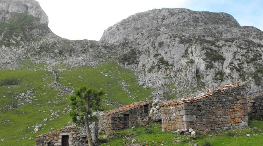 ruta del mirador de ordiales. picos de europa. asturias